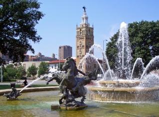 JC_Nichols_Fountain_by_Henri-Léon_Gréber_Kansas_City