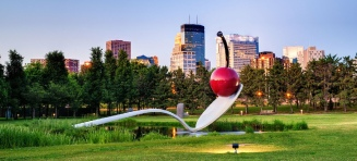 spoon_bridge_and_cherry_Minneapolis